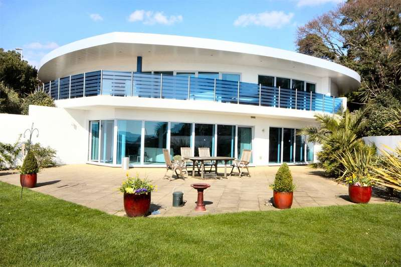 3 Bedrooms Ground Flat for sale in Haven Road, Sandbanks, Poole, BH13