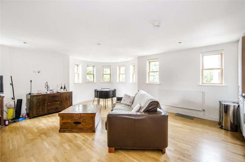 2 Bedrooms Flat for sale in Boundaries Road, London, SW12