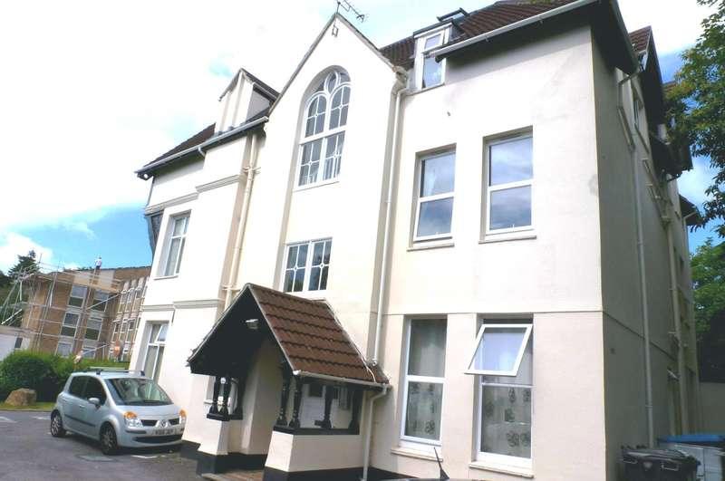 Studio Flat for rent in York Towers, Pine Tree Glen, Bournemouth