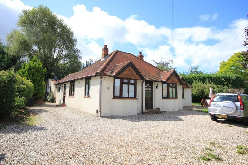 3 Bedrooms Detached Bungalow for sale in Ashley Road, Reading, RG1