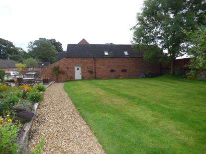 3 Bedrooms Barn Conversion Character Property for sale in Lane End Farm, Ashbourne Road, Derby, Derbyshire