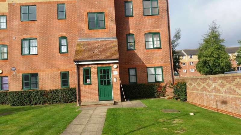1 Bedroom Flat for sale in Manton Road, Enfield