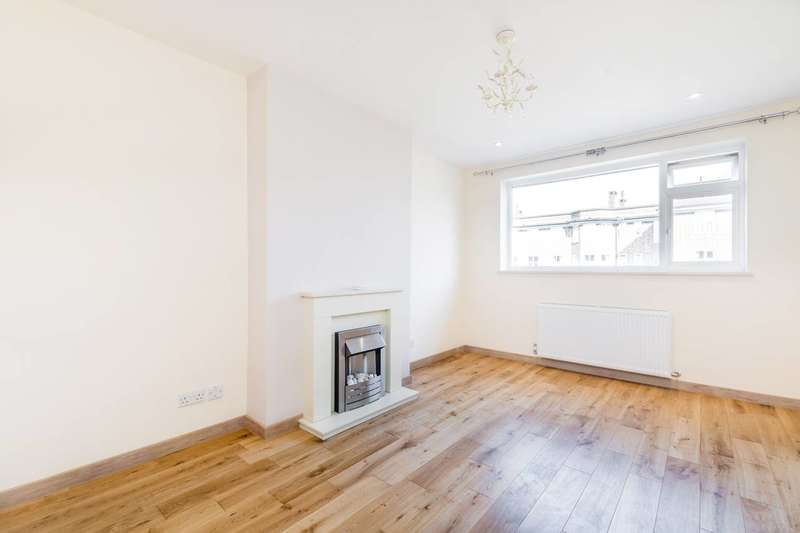 2 Bedrooms Maisonette Flat for rent in Court Way, Twickenham, TW2