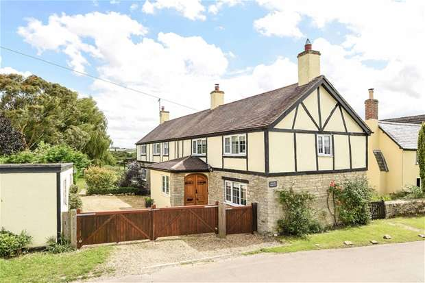 5 Bedrooms Detached House for sale in Moor End Road, Radwell