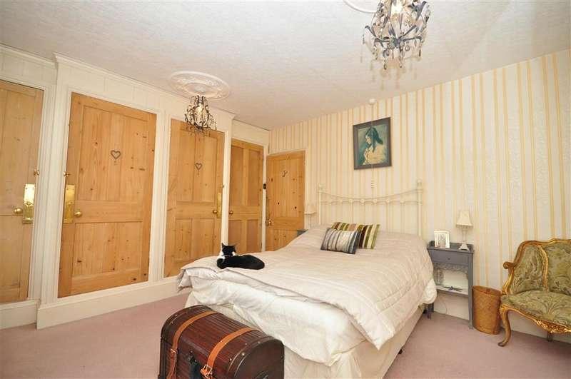 4 Bedrooms Terraced House for sale in Willsons Road, Ramsgate, Kent