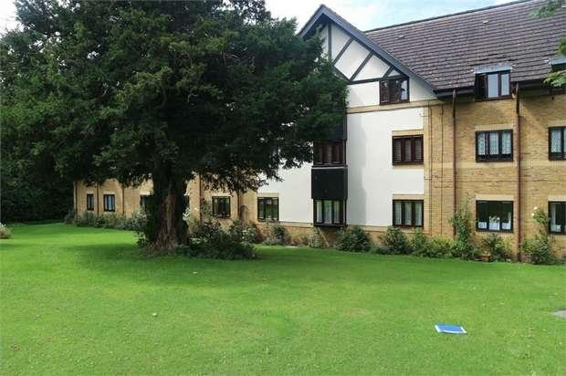 1 Bedroom Flat for sale in Churchgate, Cheshunt, Waltham Cross, Hertfordshire