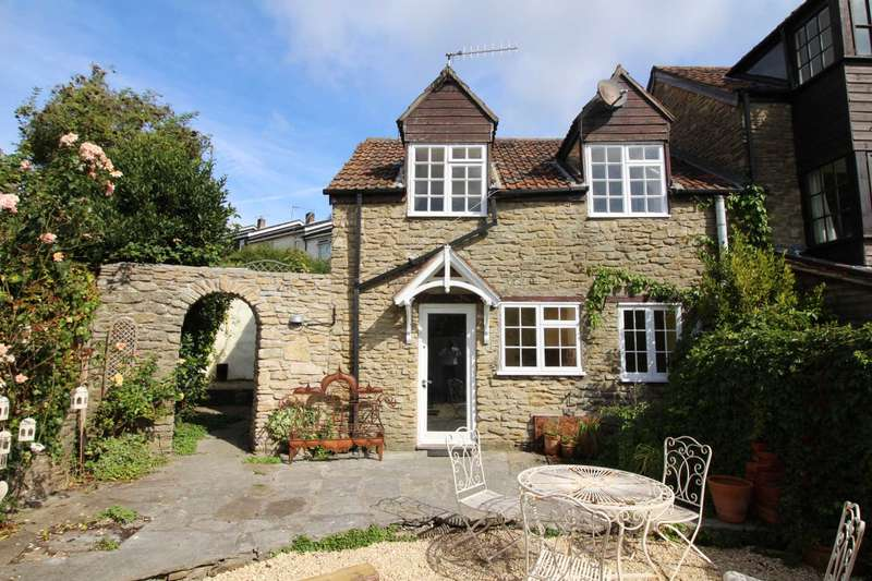 2 Bedrooms Semi Detached House for sale in Castle Street, Frome
