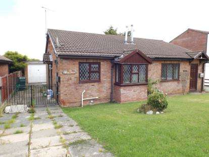 2 Bedrooms Bungalow for sale in Fron Uchaf, Colwyn Bay, Conwy, LL29