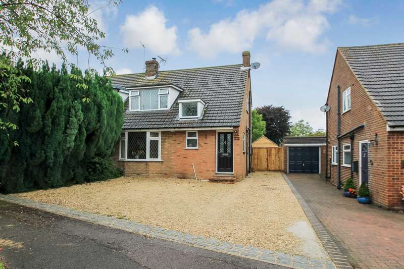 3 Bedrooms Semi Detached House for sale in Fantail Lane, Tring, Hertfordshire