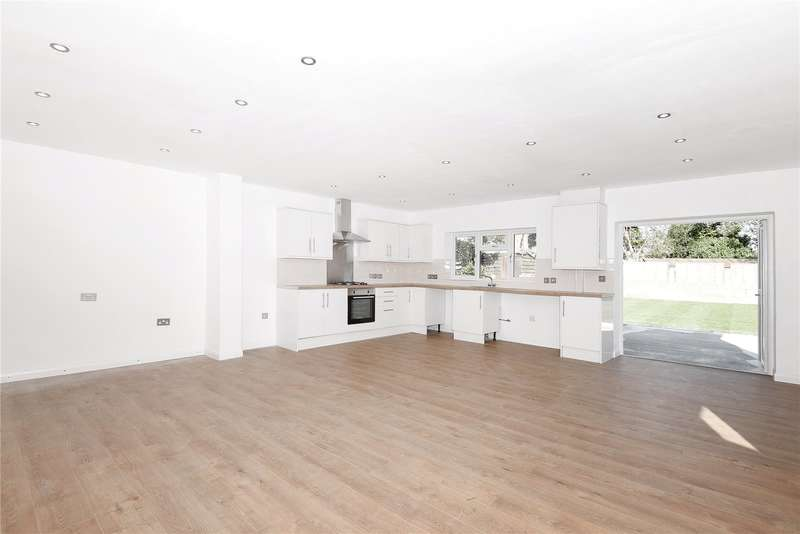 3 Bedrooms Detached Bungalow for sale in West Drayton Road, Hillingdon, Middlesex, UB8