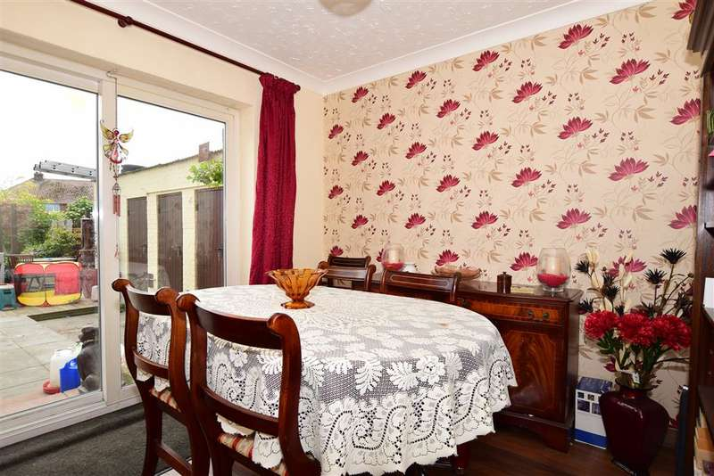 4 Bedrooms Semi Detached House for sale in New Road, Minster On Sea, Sheerness, Kent