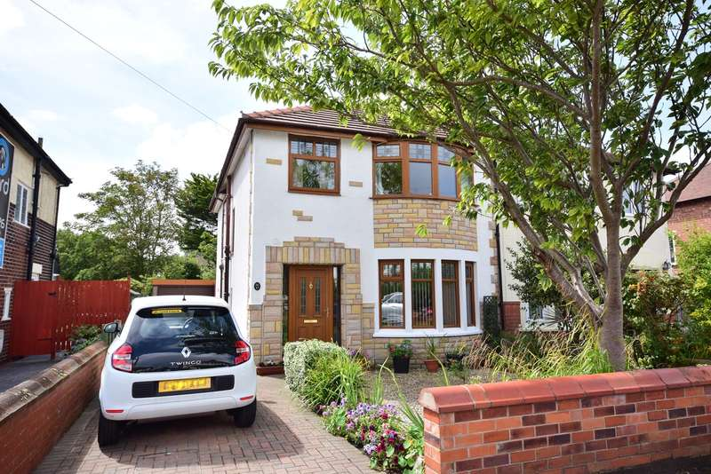 4 Bedrooms Semi Detached House for sale in Chatham Avenue, Lytham St Annes, FY8