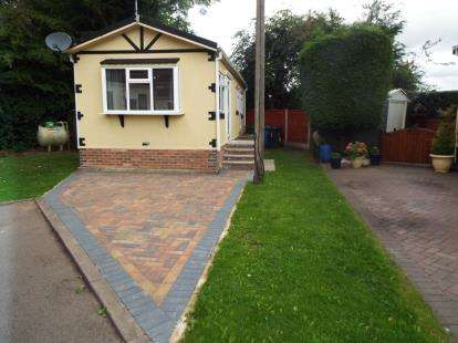 Mobile Home for sale in Heath Park, Ball Lane, Coven Heath, Wolverhampton