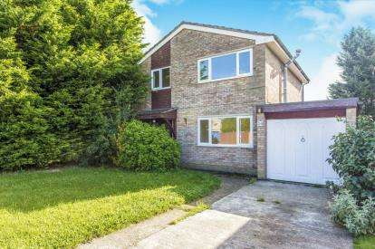 4 Bedrooms Detached House for sale in Greenfields, Earith, Huntingdon, Cambs