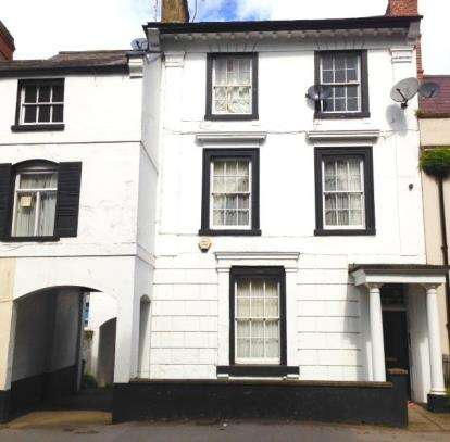 Flat for sale in West Bar Street, Banbury, Oxfordshire