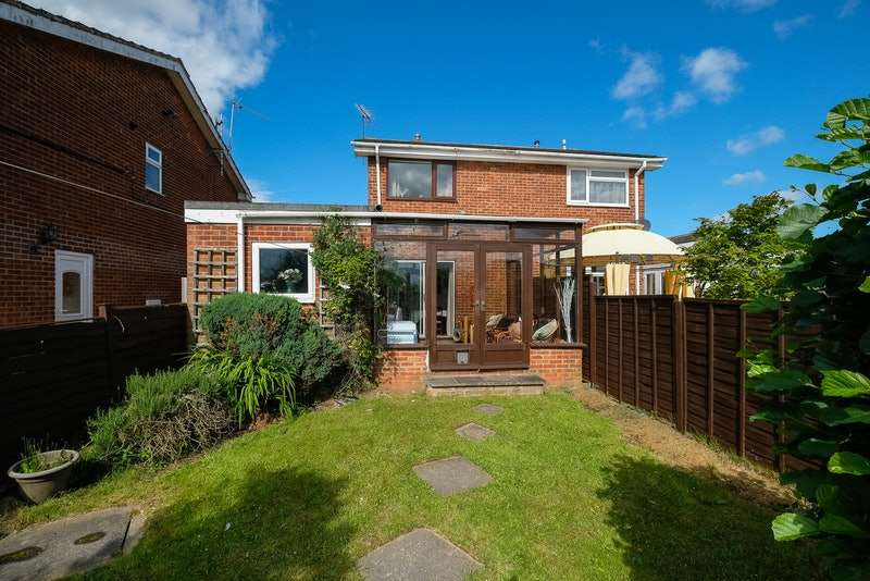2 Bedrooms Semi Detached House for sale in Upperfield road, Maltby, South Yorkshire, S66