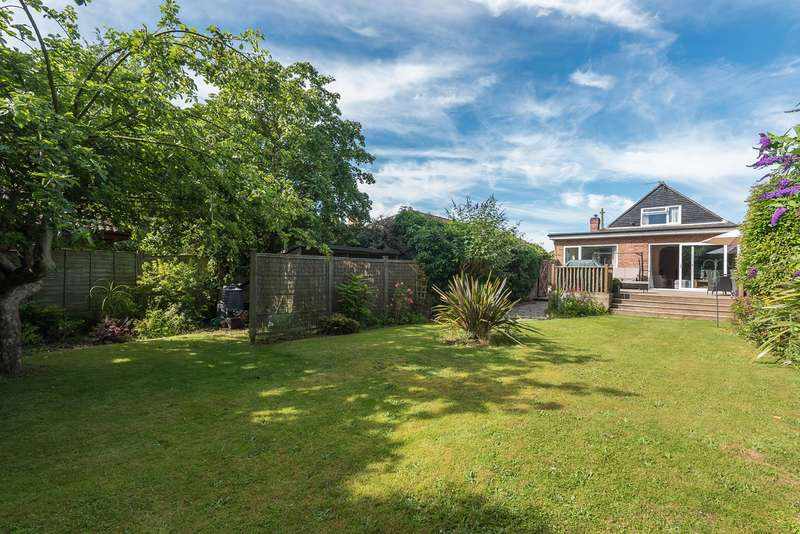 3 Bedrooms Detached House for sale in The Lagger, Chalfont St Giles, HP8