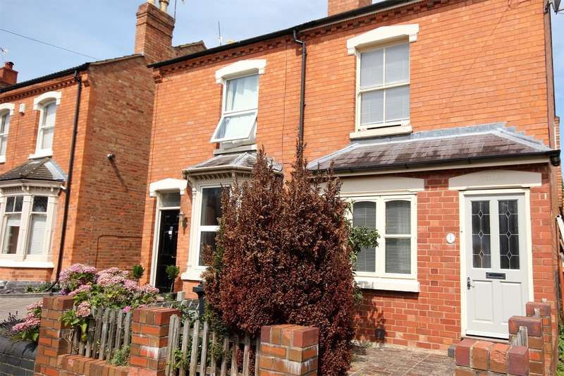 2 Bedrooms Semi Detached House for sale in Berkeley Street, Worcester, WR1