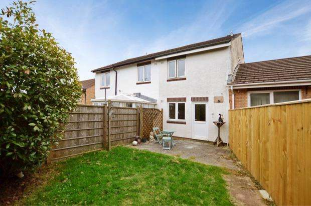 2 Bedrooms Terraced House for sale in Mellons Close, Newton Abbot, Devon