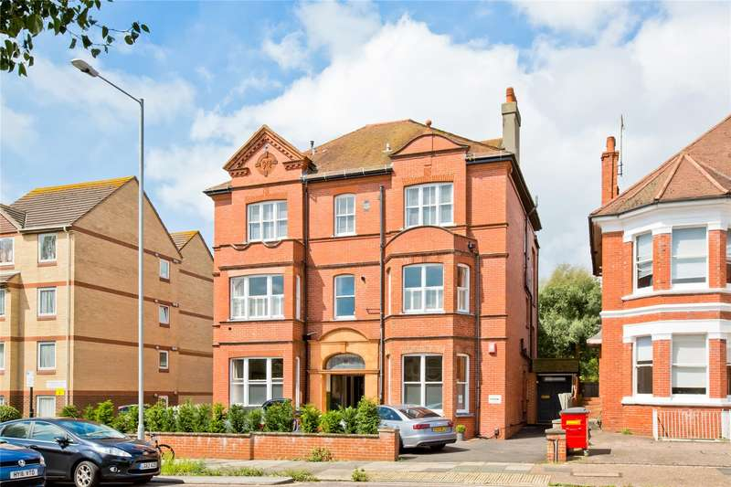 2 Bedrooms Flat for sale in The Drive, Hove, East Sussex, BN3