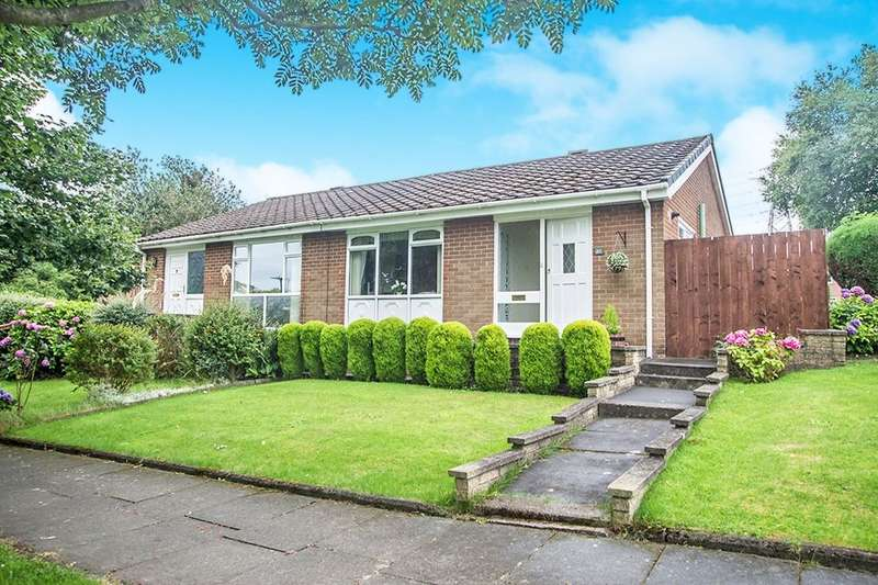 2 Bedrooms Semi Detached Bungalow for sale in Glenhurst Drive, Whickham, Newcastle Upon Tyne, NE16