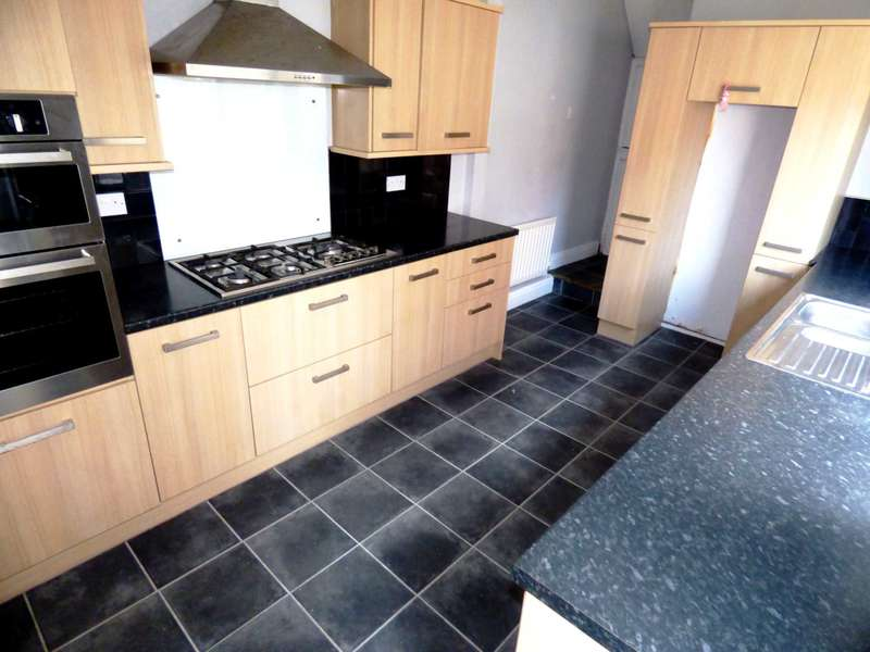 4 Bedrooms Town House for sale in Lumley Road, Redcar