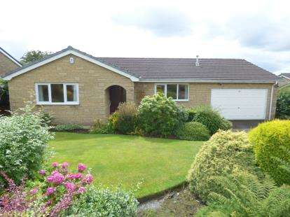 3 Bedrooms Bungalow for sale in Borrowdale Drive, Burnley, Lancashire