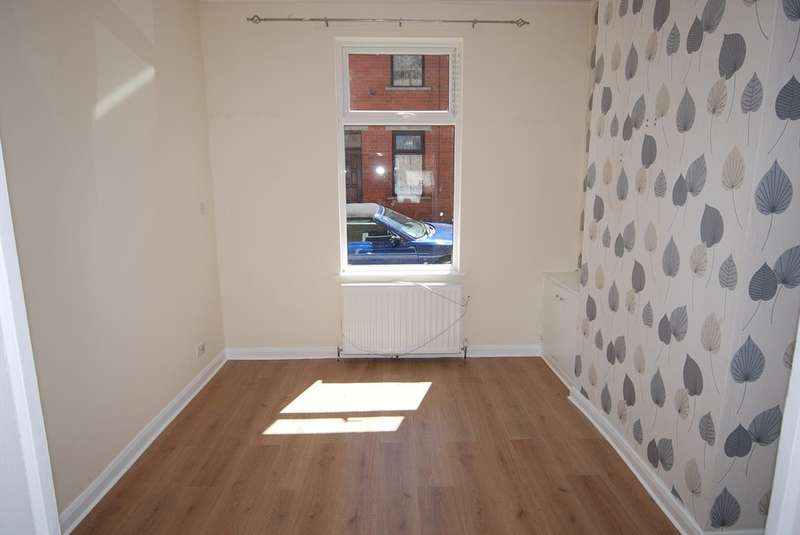 2 Bedrooms Terraced House for sale in Robert Street, Barrow-in-Furness, Cumbria, LA14 1EB