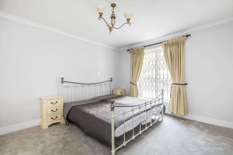 2 Bedrooms Flat for sale in Bishops Court, Bishops Bridge Road, Bayswater, W2