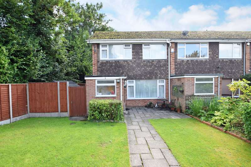 3 Bedrooms End Of Terrace House for sale in The Pound, Burnham, Slough, SL1