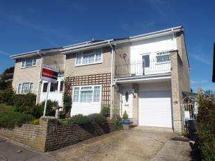 3 Bedrooms Semi Detached House for sale in Greenoak Rise, Biggin Hill, Westerham, Kent