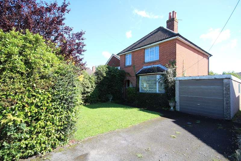 3 Bedrooms Detached House for sale in Morant Road, Ringwood