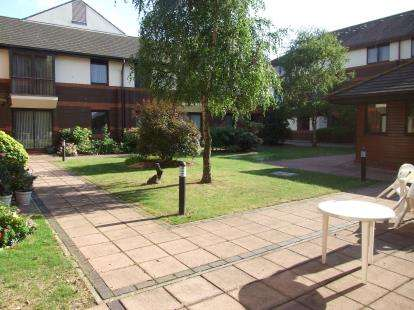 1 Bedroom Retirement Property for sale in Southend-On-Sea, Essex