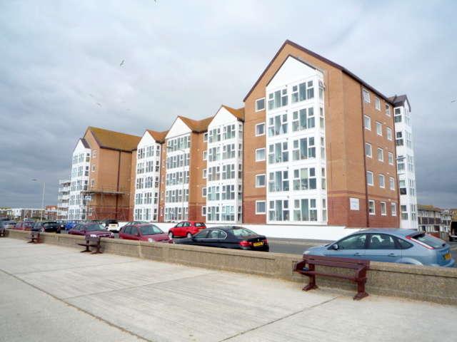 1 Bedroom Retirement Property for sale in Stratheden Court, Esplanade, Seaford, BN25 1JP