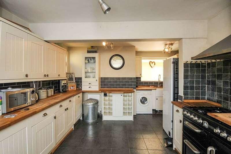 3 Bedrooms Semi Detached House for sale in Lullingstone Avenue, Swanley, BR8