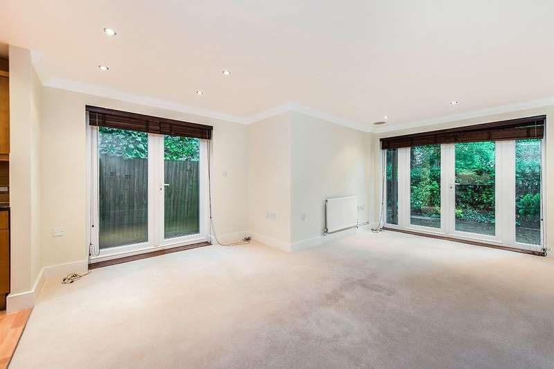 2 Bedrooms Flat for sale in Grange Avenue, Twickenham, TW2