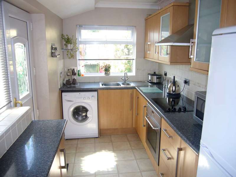 3 Bedrooms Semi Detached House for sale in ***REDUCED***Gosforth Avenue, Redcar