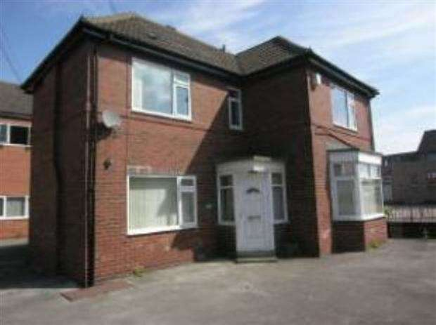 3 Bedrooms Detached House for sale in Green Lane, Featherstone, WF7