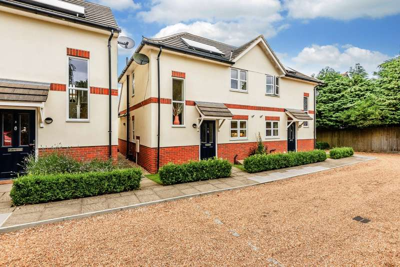 2 Bedrooms Semi Detached House for sale in Hindhead