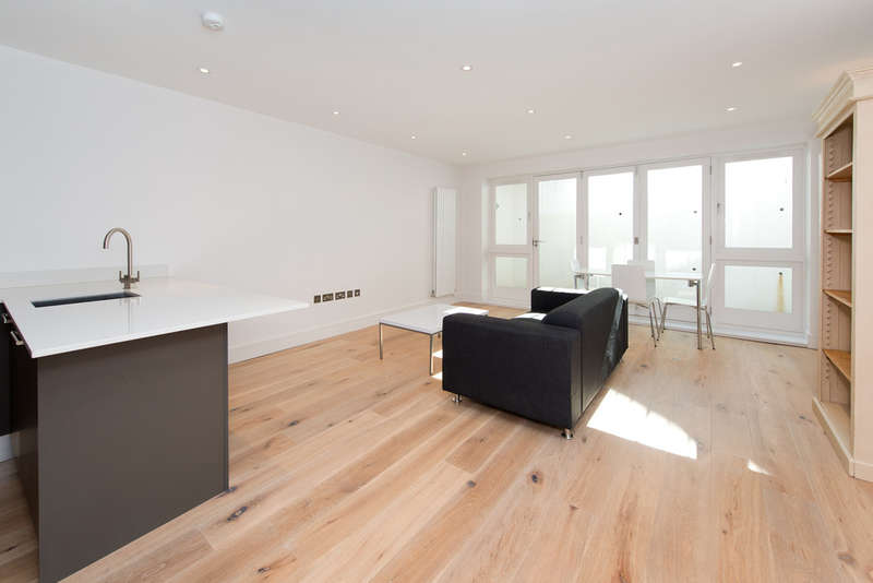 2 Bedrooms Flat for sale in Murray Street, London