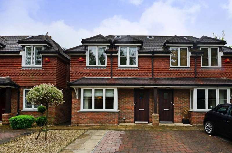3 Bedrooms Semi Detached House for sale in Epsom Road, Guildford, GU1