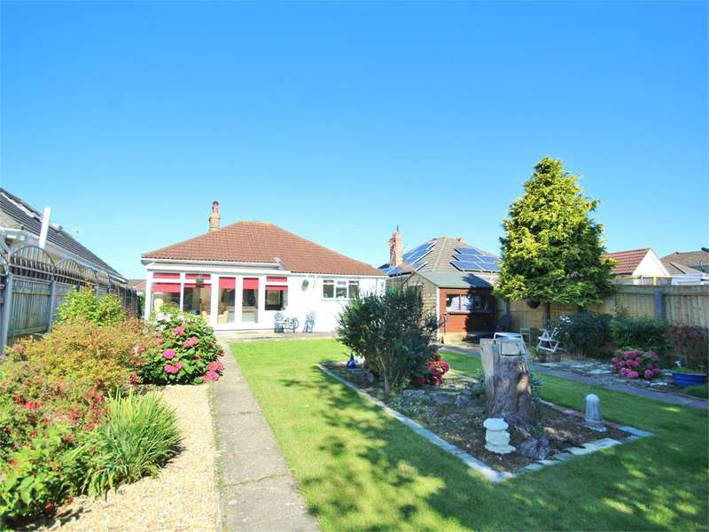 3 Bedrooms Detached Bungalow for sale in Brixey Road, Poole, BH12