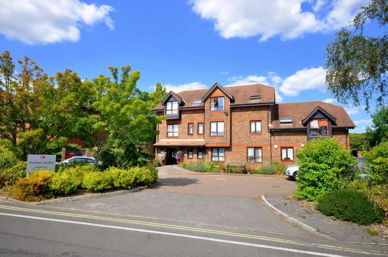 2 Bedrooms Apartment Flat for sale in Androse Gardens, Ringwood, BH24 1EG