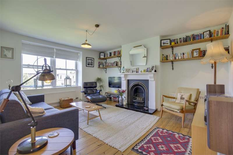 2 Bedrooms Flat for sale in Mount View Road, Stroud Green, London