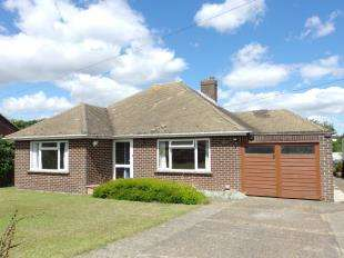 3 Bedrooms Bungalow for sale in Downs Road, East Studdal, Dover, Kent