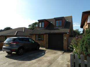 4 Bedrooms Detached House for sale in Millberg Road, Seaford, East Sussex