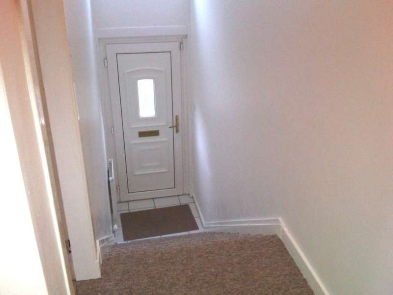 2 Bedrooms Flat for sale in Rose Street, Greenock, PA16 7JT