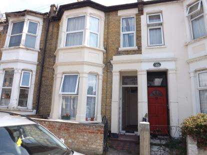 1 Bedroom Flat for sale in Southend On Sea, Essex