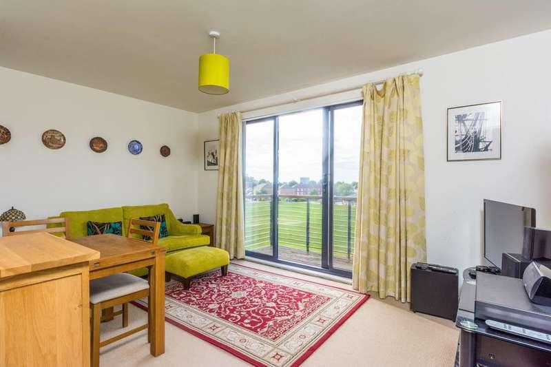 2 Bedrooms Flat for sale in Kingsbridge Avenue, Ealing, W3