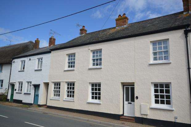 2 Bedrooms Flat for sale in Vale Court, Church Street, Sidmouth, Devon